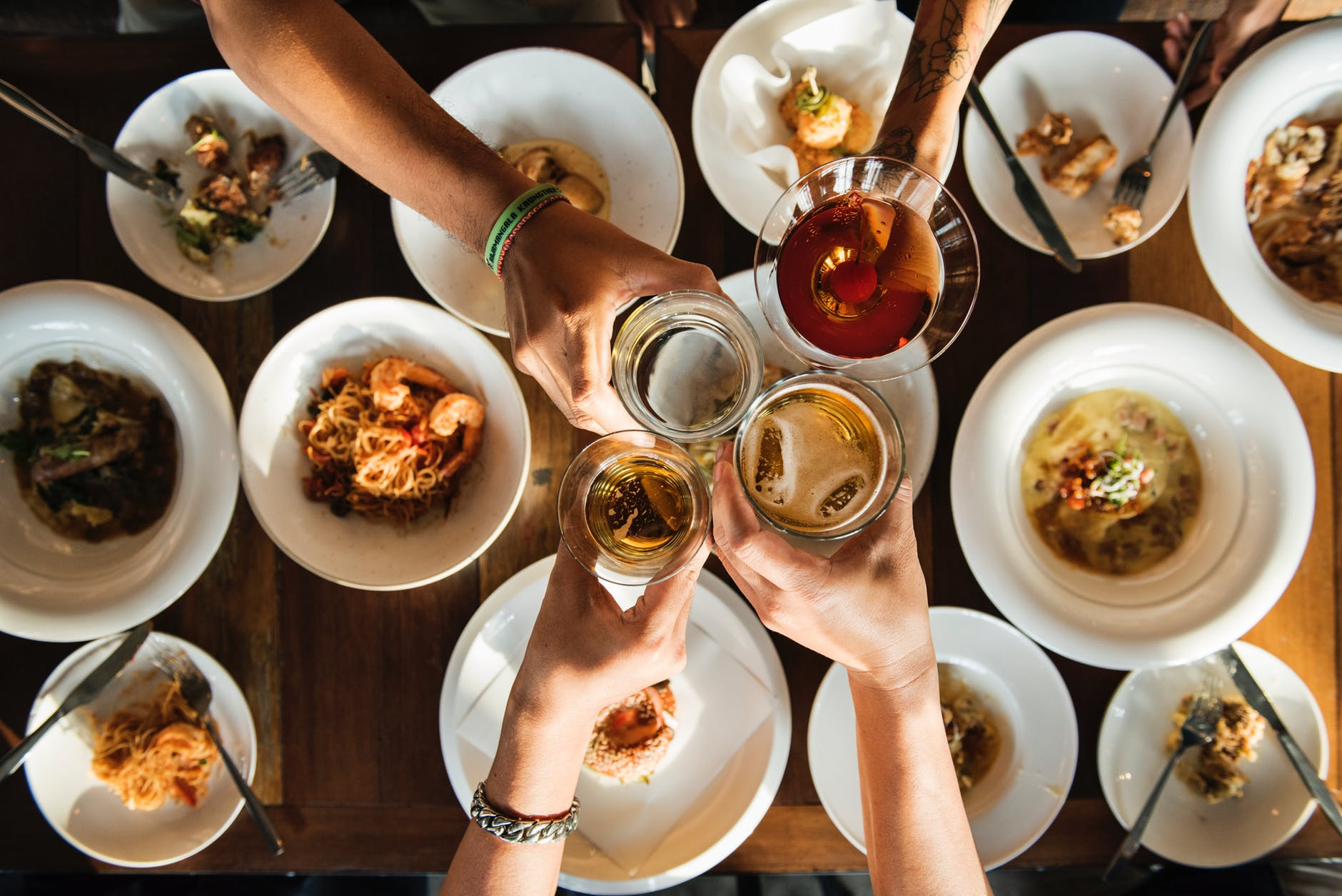 alkohol söögi kõrvale